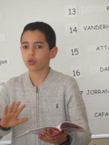 Un jeune garçon participant à la finale.