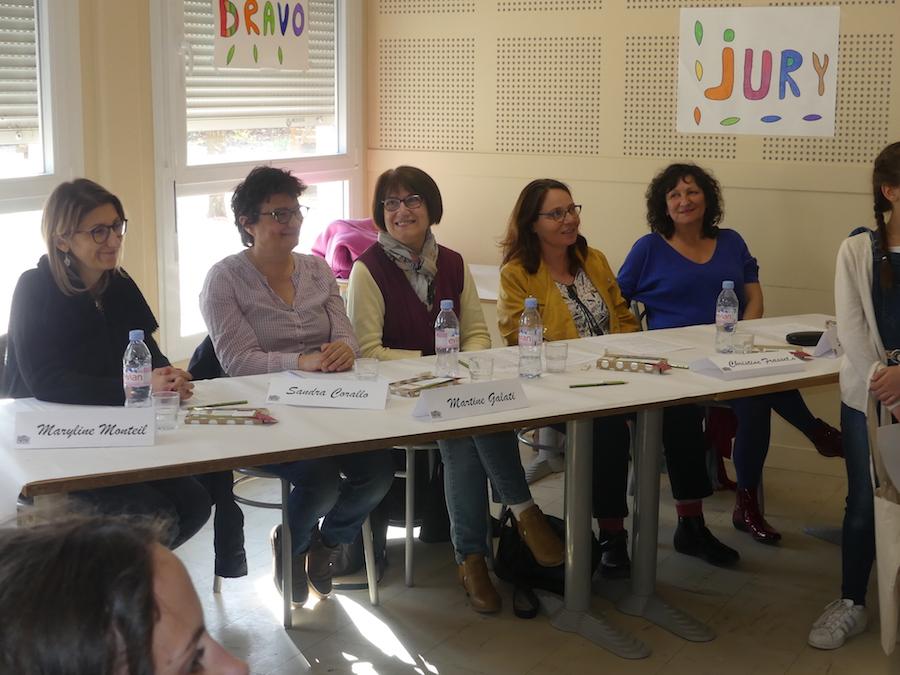 Derrière une table, le jury. De gauche à droite, Maryline Monteil,Sandra Corallo, Martine Galati, Christine Frasseto et Sylvie Mabilon.