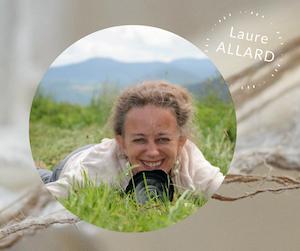 Photographe, graphiste et auteure  de juin  2021 - photo identité Laure Allard