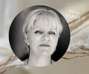 Plasticienne, artiste et auteure  de juin 2021 - Photo d'identité de Anny Blaise
